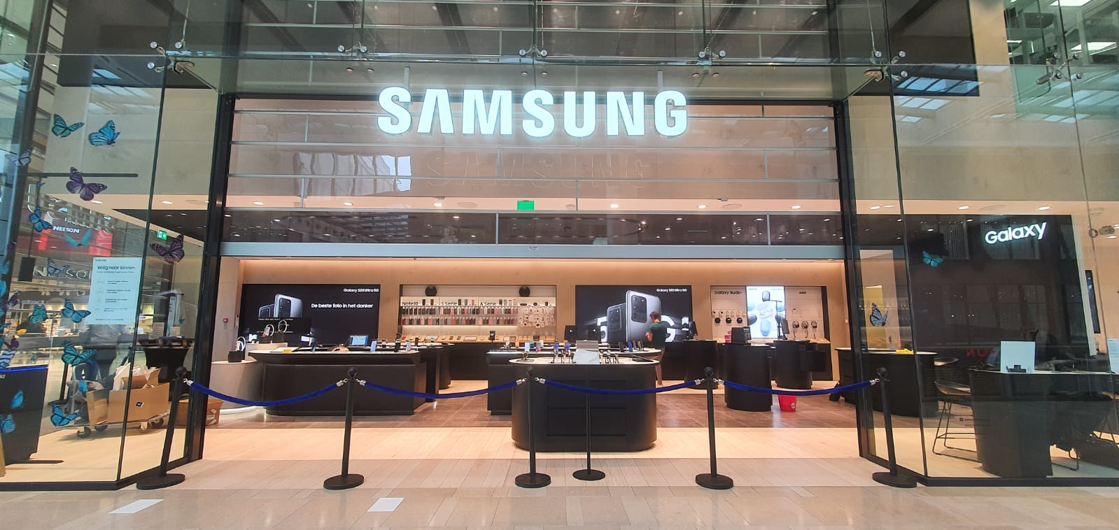 Preparing for the opening of Samsung Experience Store after COVID-19